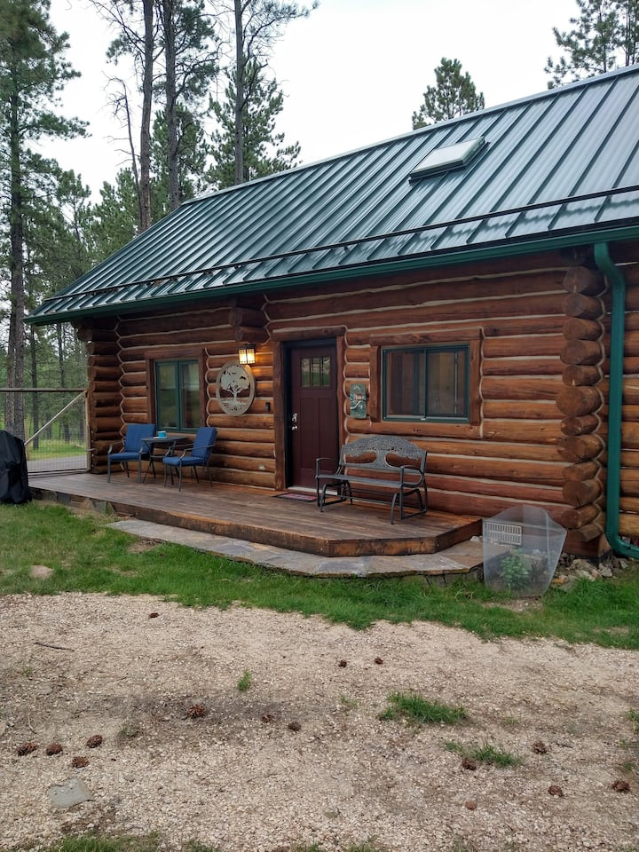 Deer Woods Cabin - Dog Friendly