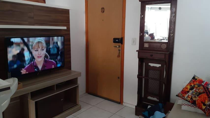 Apartamento semi mobiliado na Restinga