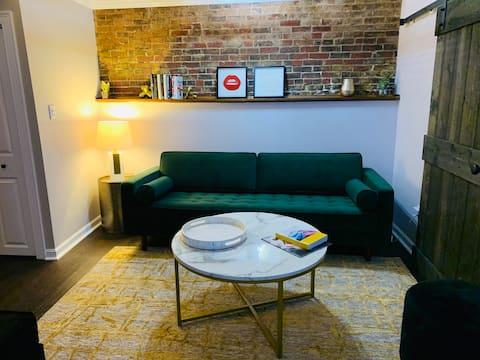 Cozy Apartment in Historic Beacon Hill Area