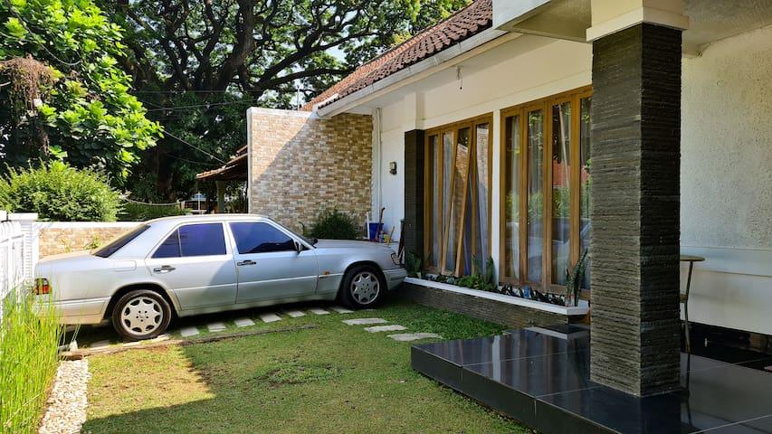 Salam House, Cihapit, Bandung