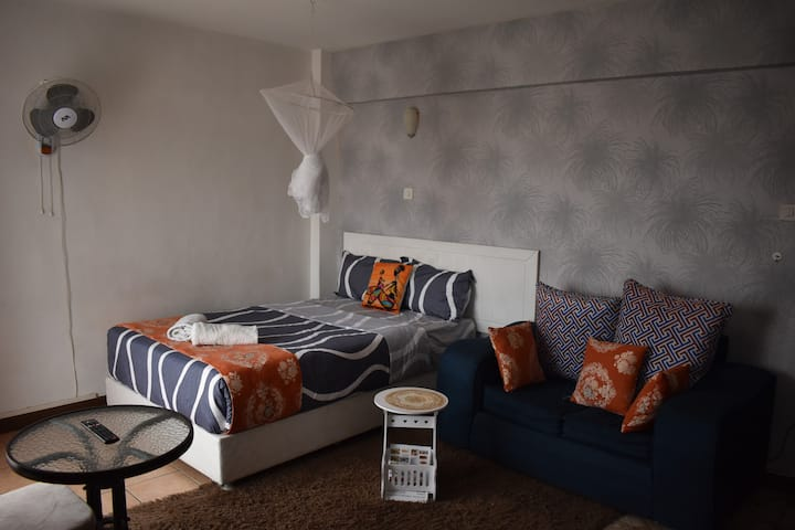 Comfy studio apartment, netflix and rooftop pool