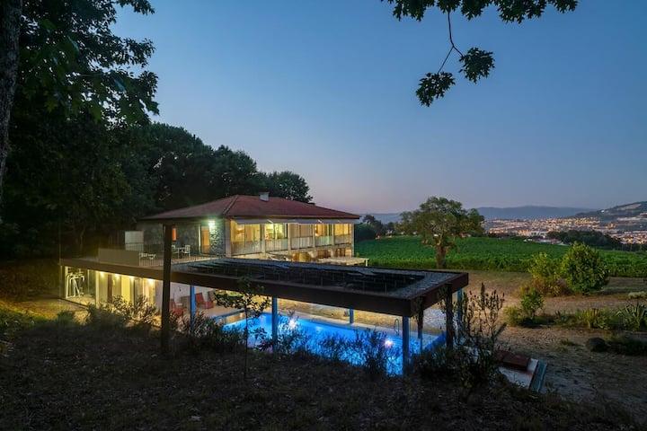 Quinta de Semelhe - Casa com Piscina Aquecida