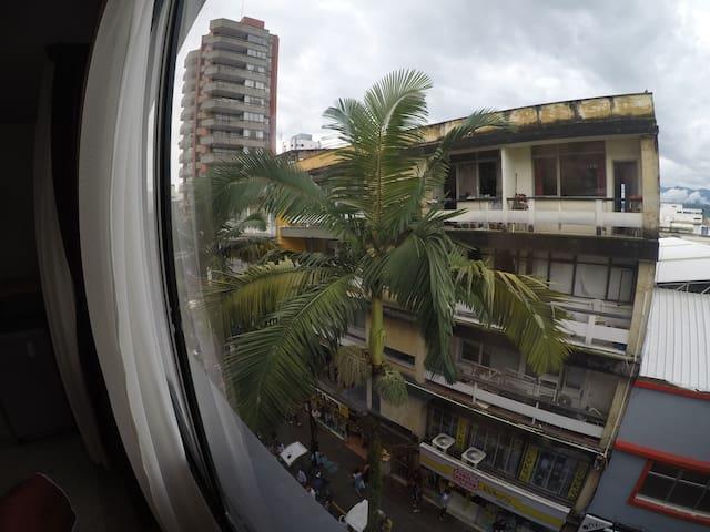 Habitación de hotel (301) centro de Pereira