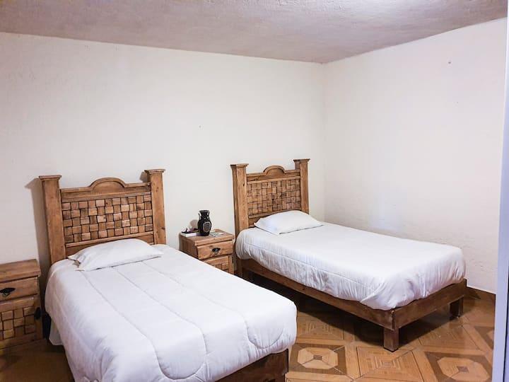 Habitación cómoda y económica, excelente ubicación