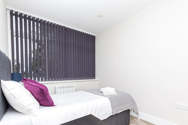 2nd Bedroom with Single Bed or twin beds.  All the beds in the home are appointed with hotel-quality linens.