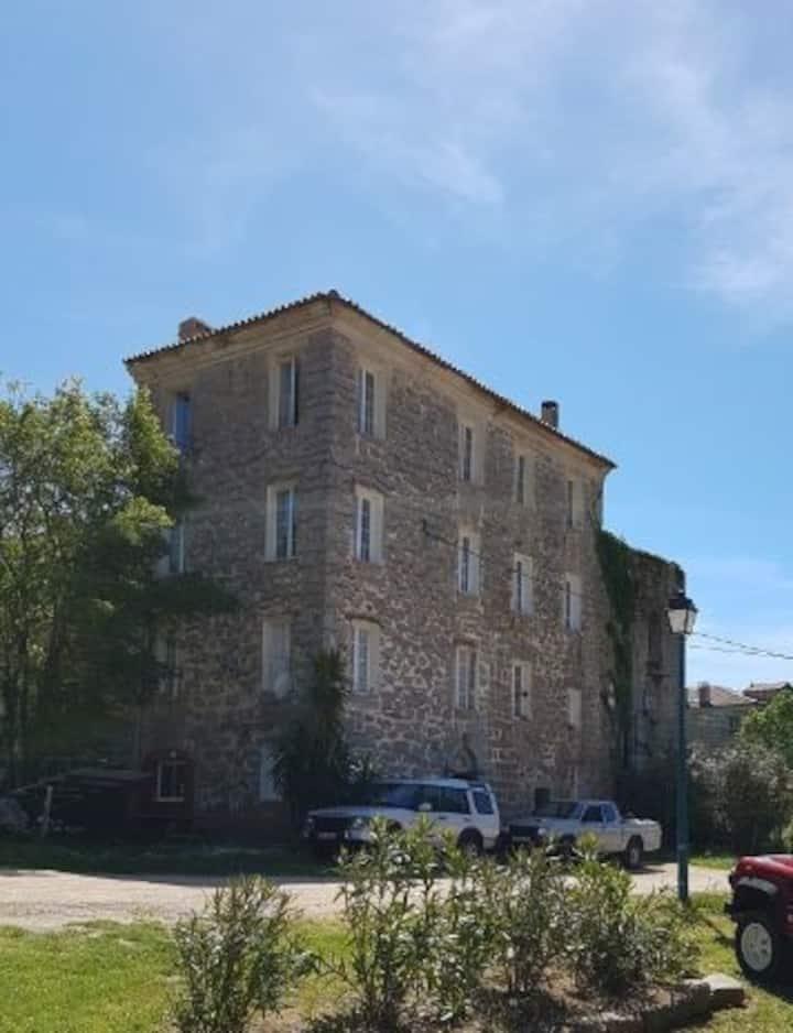 Im historischen Haus in Santa Maria Sichè