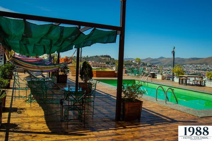 Hotel con alberca vista panorámica, vista montaña