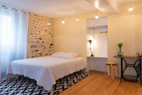 Niezależny pokój 10 minut od centrum Pau