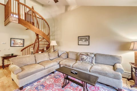 Stratton ski on / ski off luxury slope side condo