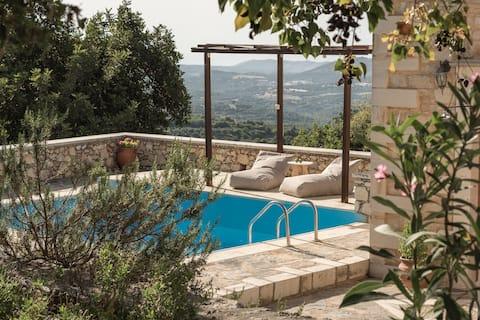 Koules Estate-Helianthus ,simplitate & natural!