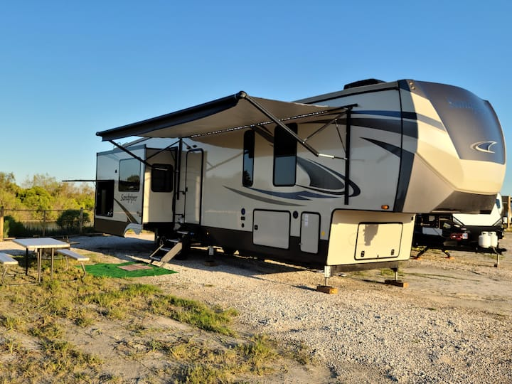 New Beach Castle RV at Hailey's Beach-n-Bay Resort