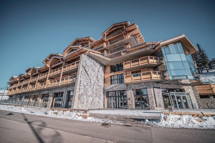Appartement de standing 8/10 personnes ski au pied
