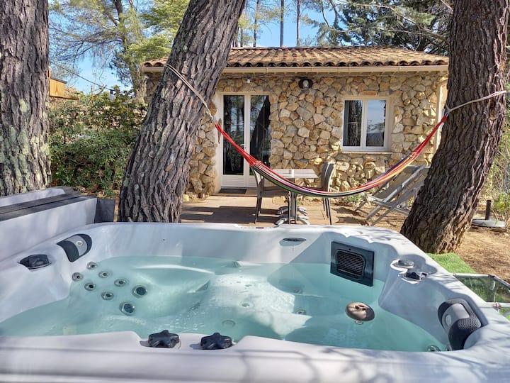 GITE AVEC SPA JACUZZI en Provence Côte d'Azur