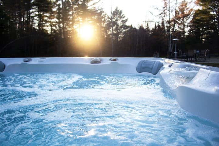 Upscale Okemo/Killington Apartment with Hot Tub