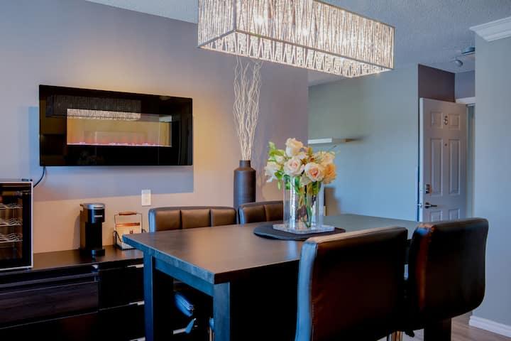 Large Cozy Modern Condo Suite (#6)