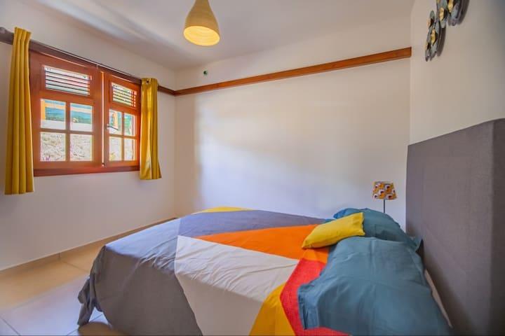 2eme chambre, climatisée avec lit 2 places