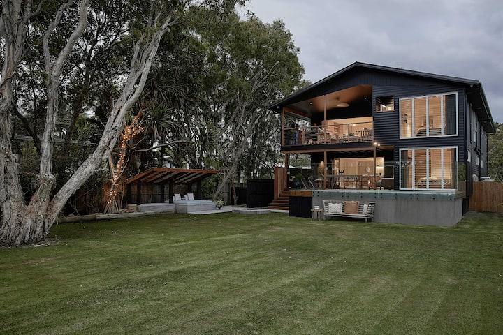 Saint Newy Beach House -Luxury Home near Byron Bay