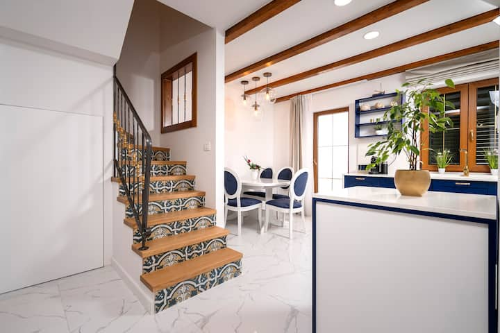 Downtown Escape!! NEW luxury villa in Hvar center!