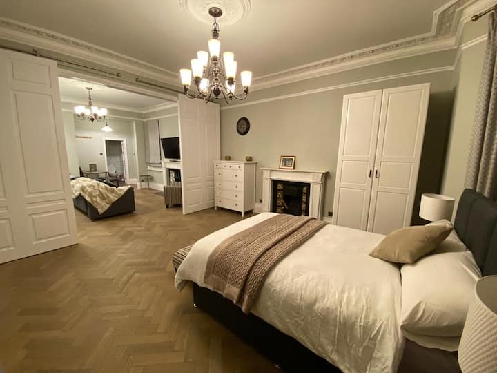 Stunning Victorian Flat Great links to Central LDN