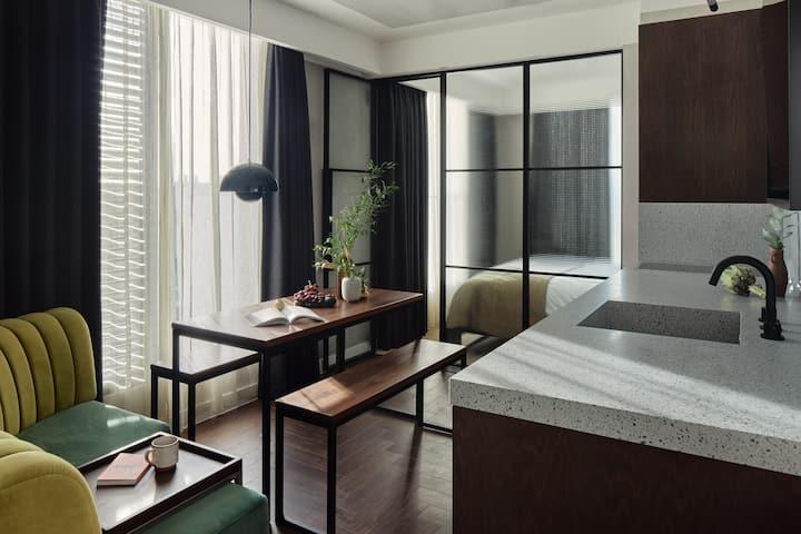 One Bedroom Suite at Kingsland Locke