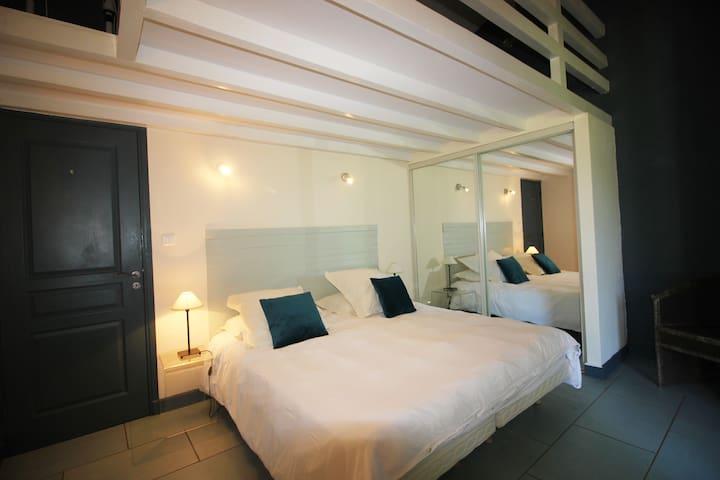 Doube or  twin bedroom 3