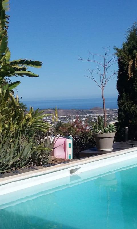 chambre privée sur piscine avec vue