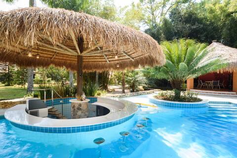 Sítio Espetacular, piscina aquecida c/ bar molhado