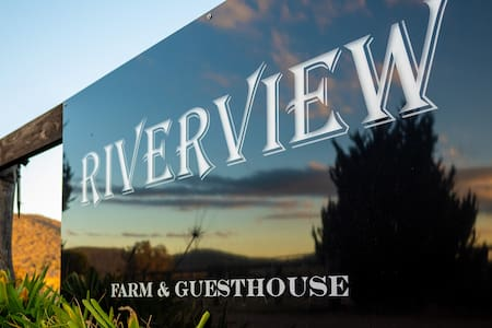 Guesthouse with a river view close to Mudgee
