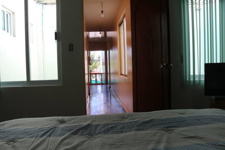 Amplia casa completa 3 habitaciones con Balcon
