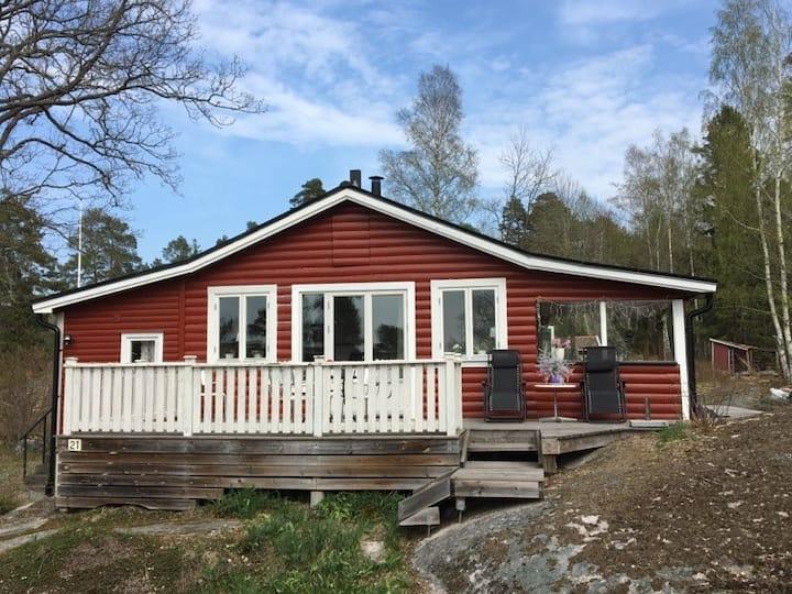 stuga i Svinninge mellan Åkersberga och Vaxholm