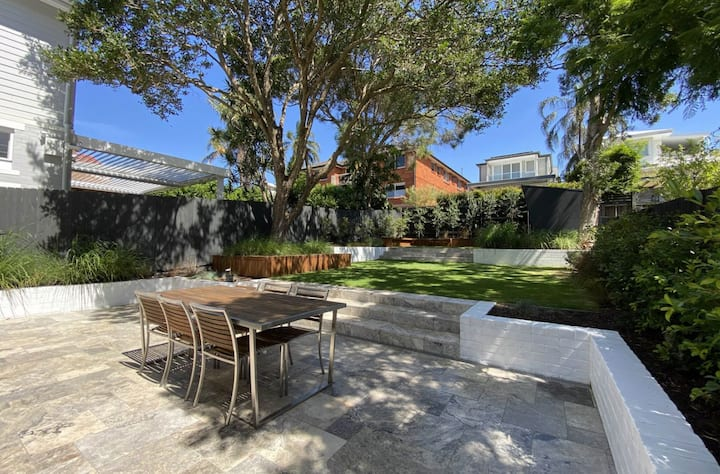 Immaculate luxury 4 bedroom home in Manly