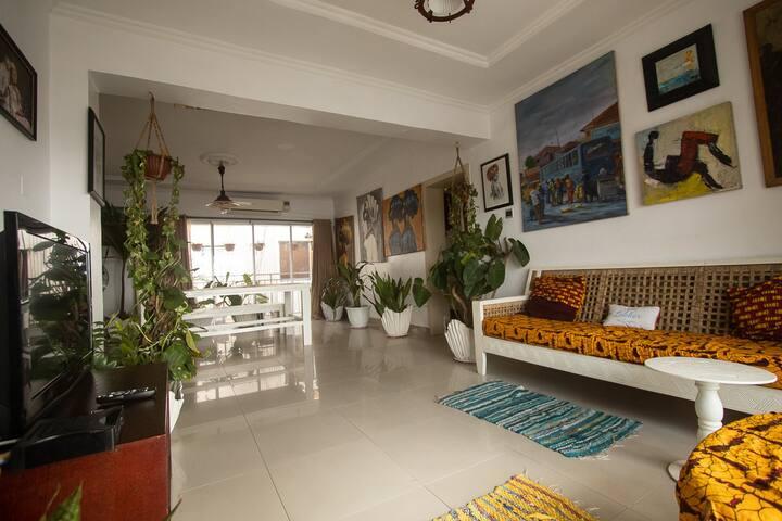 Arts, plants Bohemian apartment in Ikoyi