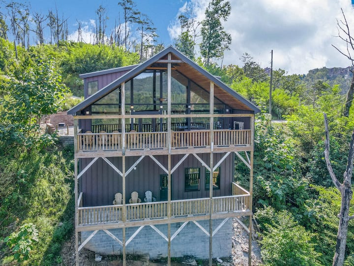 Bearly Rustic-3 bed/3 bath Private Mountain Views!