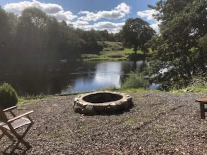 Riverside snug