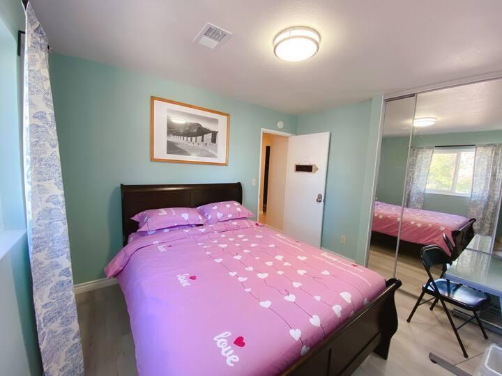 "Room ""Panda"" Queen Memory Foam Mattress"