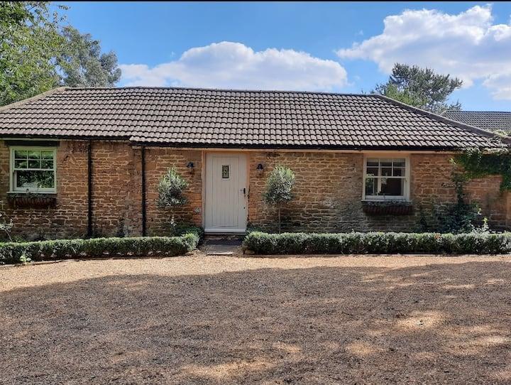 Refurbished cottage(sleeps 4)Two en-suite bedrooms