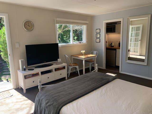 Aroha Studio - Cosy Cottage getaway near 3 Sisters