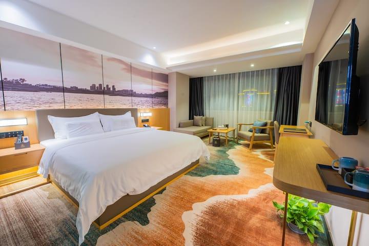 【豪华大床】东山 坐拥风景的智能人文酒店