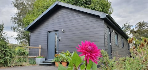 Detached, eco annexe in rural Suffolk setting