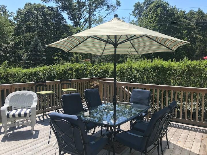 Unbeatable location! Living good in the Hamptons!