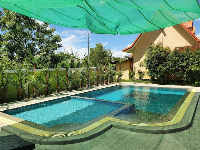 Bee Resort - Boutique Bungalows Free Wifi 2