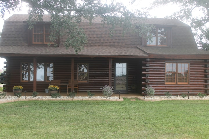 Cotton's Cabin