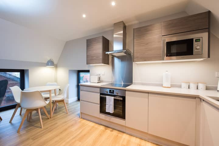 🌟🌟Central Brentwood 2 bed apartment with balcony🌟🌟
