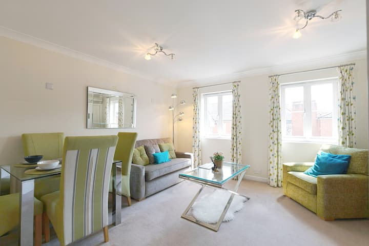 Oxford Station Superb 2 Bedroom Apartment