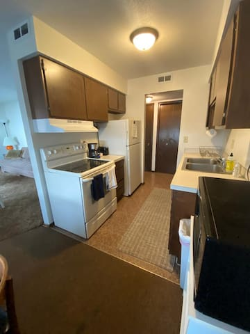 Welcome Home! - For short stays or longer leases!