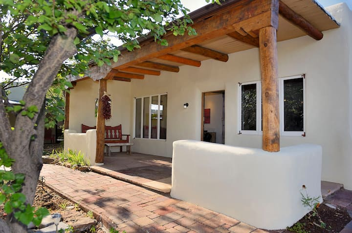 Casa de Suenos- Stunning Santa Fe Home on 5 acres