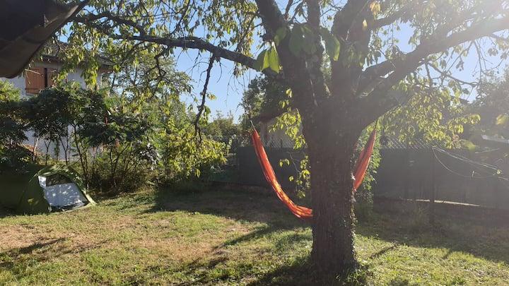 """Emplacement de Camping """"Sous le cerisier"""""""