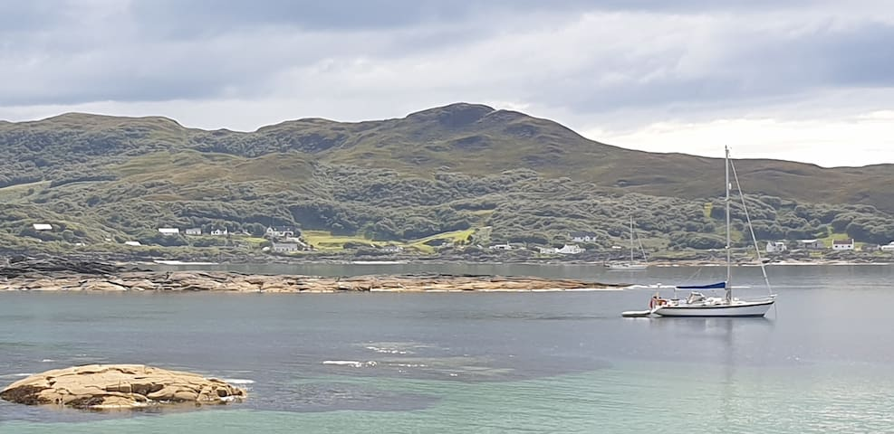 Beachside cottage in remote and stunning Sanna Bay