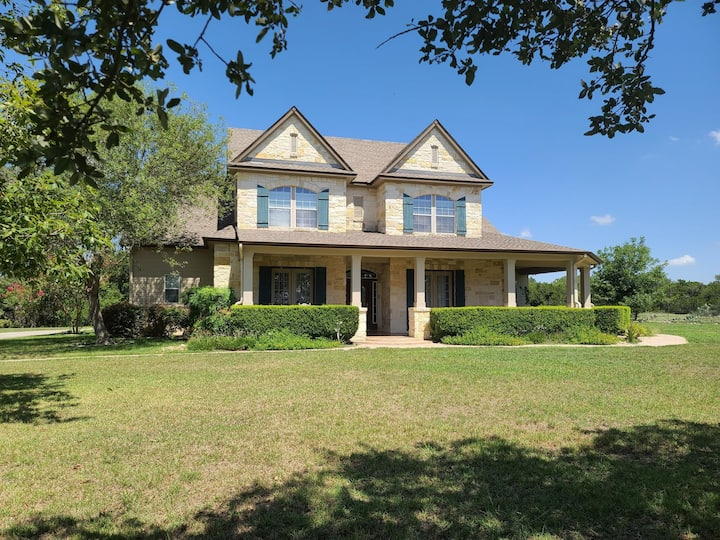 Hill Country Haus Two Bedrooms Jack  n Jill
