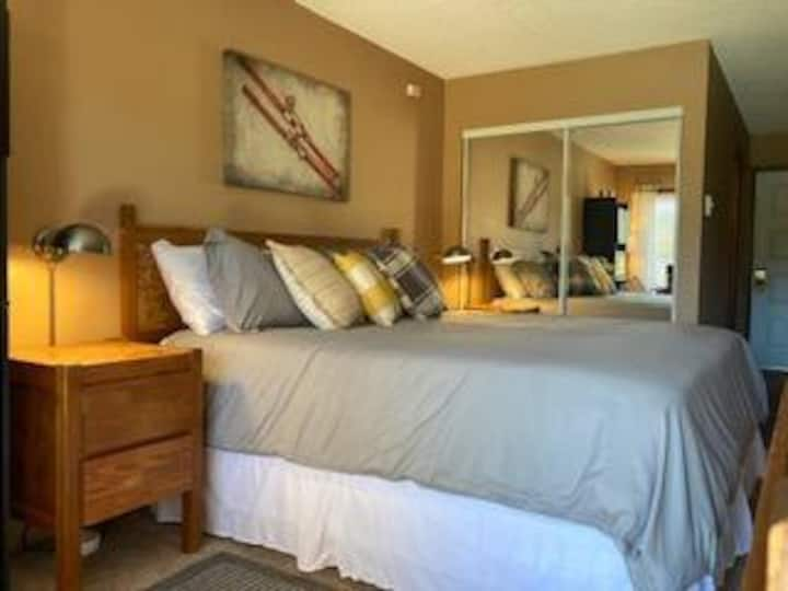 Resort King Suite near Ski Granby & Winter Park 16